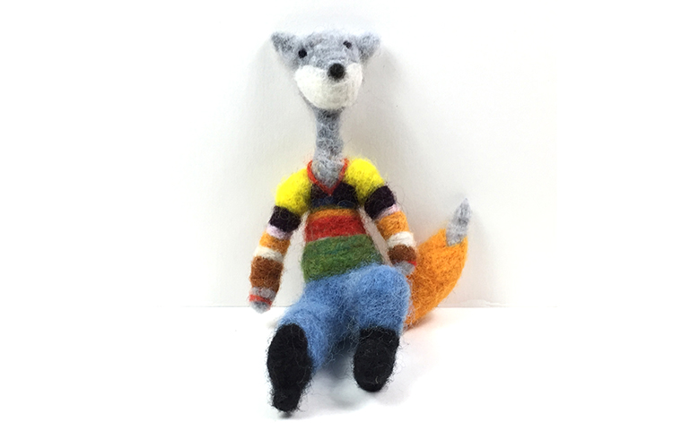 fox_seated_front